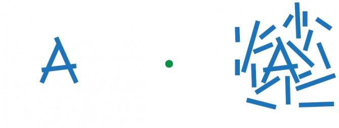 중앙의 초록색 점에 초점을 맞추고 왼쪽의 문자와 오른쪽의 문자가 어떻게 보이는지 확인하면